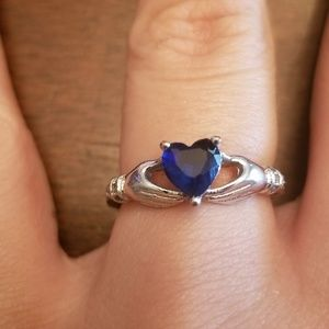 Jewelry - Marked 925 blue stone heart ring size 7
